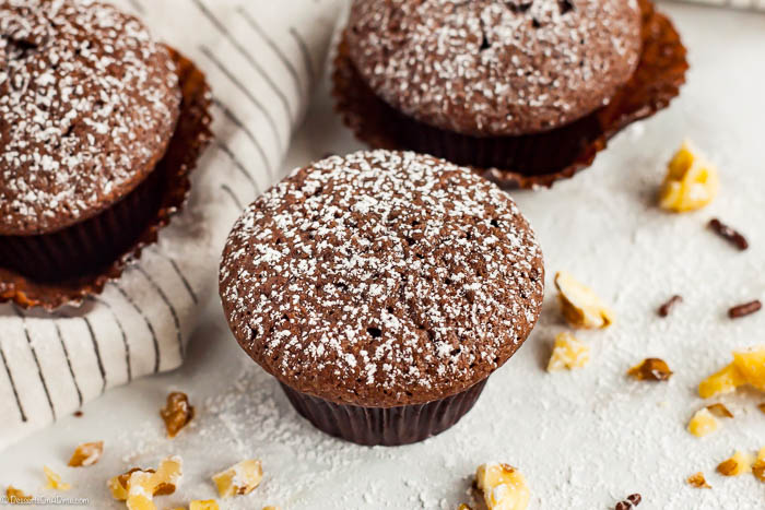 Bite size treats are so fun to eat and this Mini brownie cupcakes recipe is super easy to make. Each bite is so decadent for an amazing mini brownie.