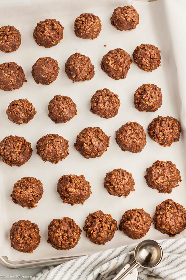 This Easy No Bake Cookies Recipe is simple to make and has a tasty combination of peanut butter and chocolate. Anytime we want a treat fast, we make this!