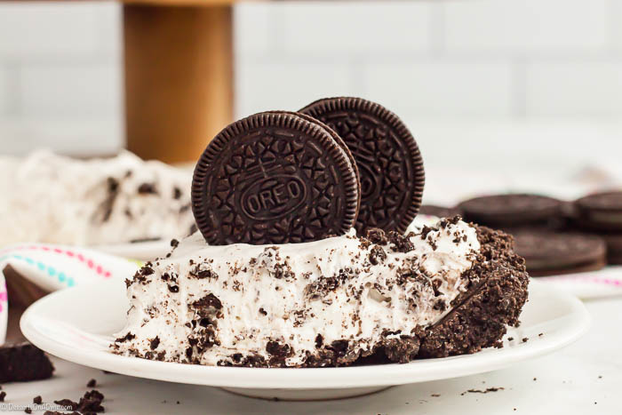 No Bake Oreo Pie Recipe is one of our favorite no bake treats. Everyone loves Oreo cookies so a pie seemed like a great idea! It is so creamy and delicious.