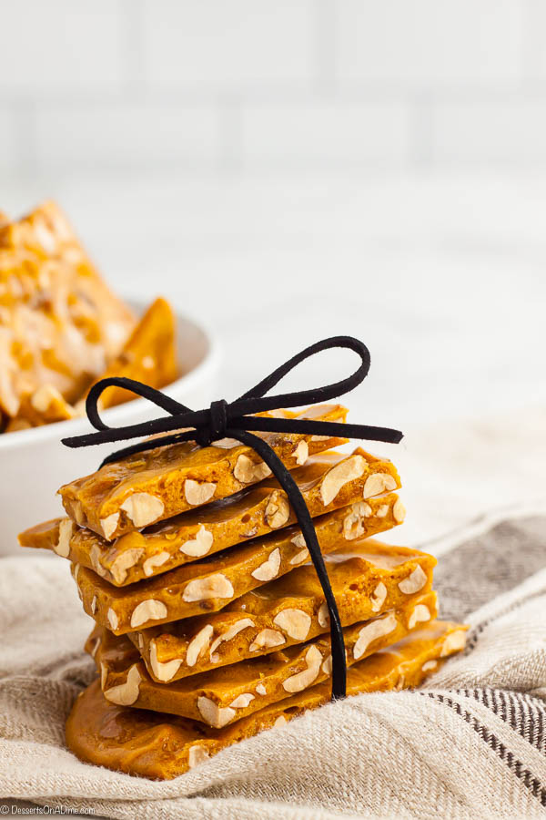 Microwave peanut brittle recipe is so simple to make and tastes amazing. This easy peanut brittle recipe without candy thermometer is a breeze to make.