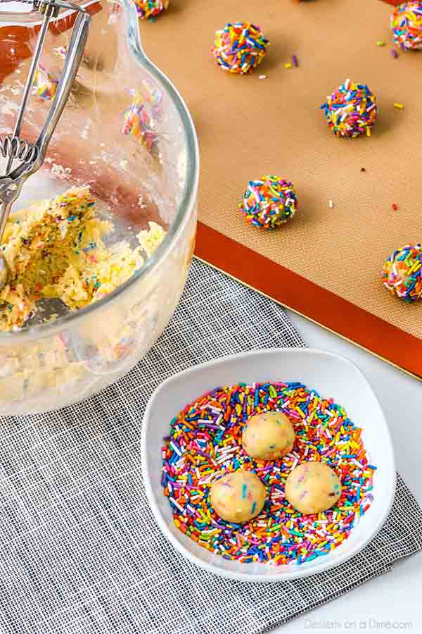 Funfetti cookies are ready in under 20 minutes for a tasty treat. Not only is this recipe so easy but the cookies are gorgeous and so colorful!