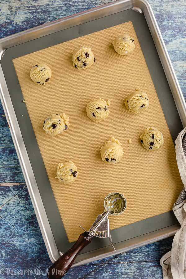 Keto chocolate chip cookies are so decadent and loaded with ooey gooey chocolate chips. Enjoy these keto friendly cookies without any guilt.