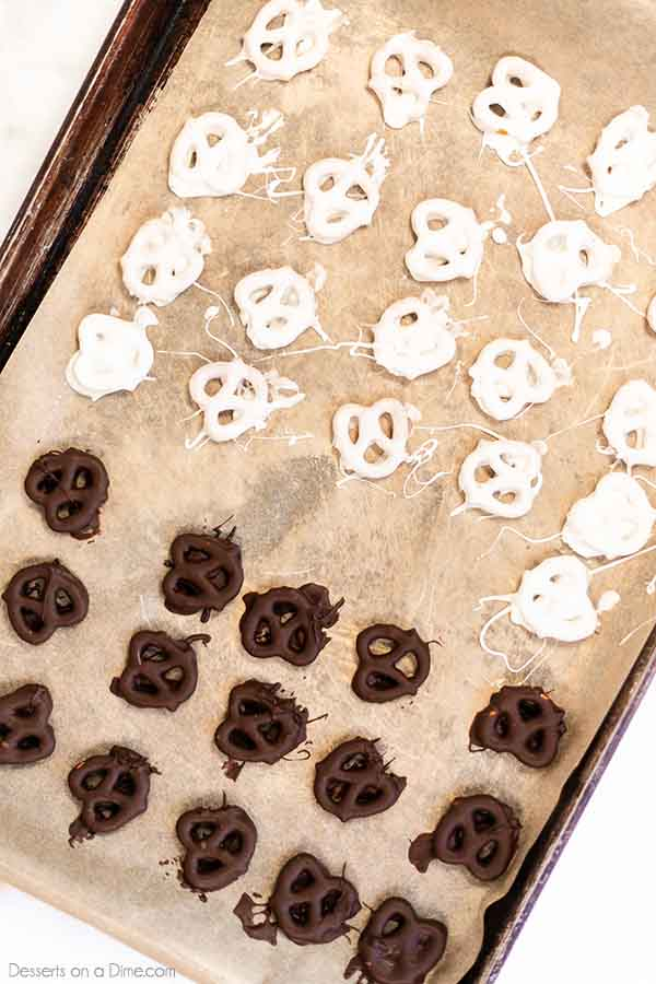 What do you make when you want a treat but only have a few ingredients? Chocolate Covered Pretzels! Learn how to make Chocolate Covered Pretzels in minutes.