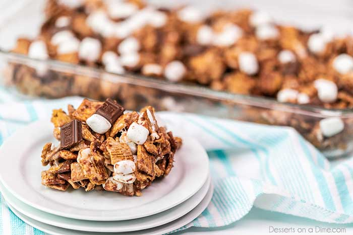 Golden graham s'mores bar recipe is the perfect no bake treat. Lots of melted chocolate and gooey marshmallows make each bite so yummy and decadent.