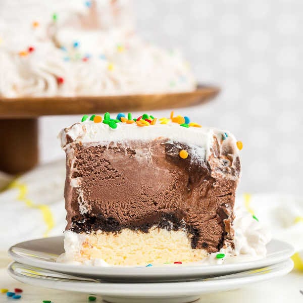 How to make Ice Cream Cake (Copycat Dairy Queen cake)