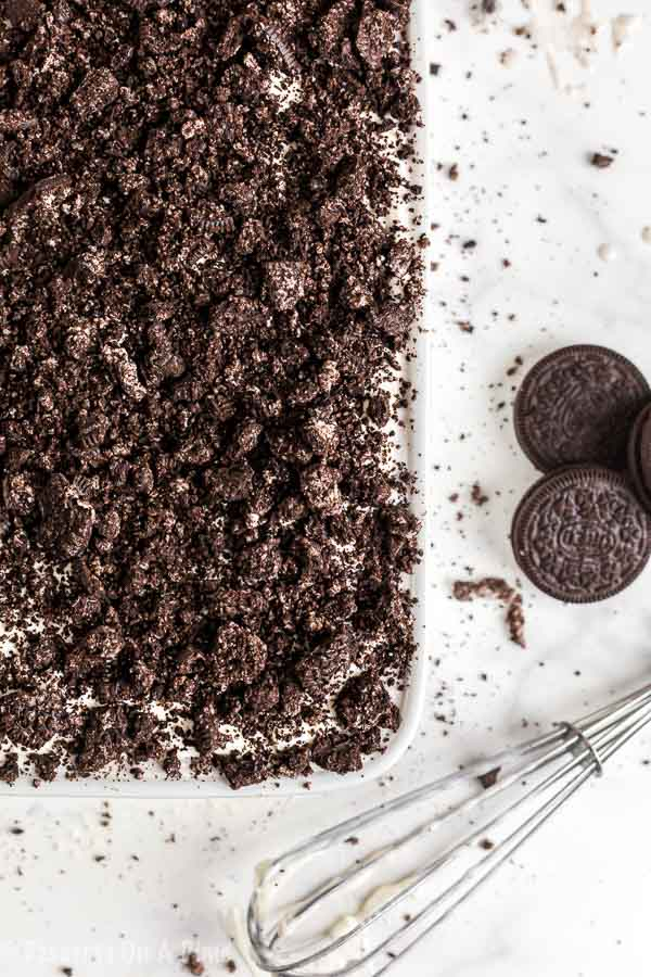 Chocolate and Oreo lovers will go crazy over thisOreo poke cake recipe. This cake is so rich and delicious for the perfect dessert. Plus, it is so easy!