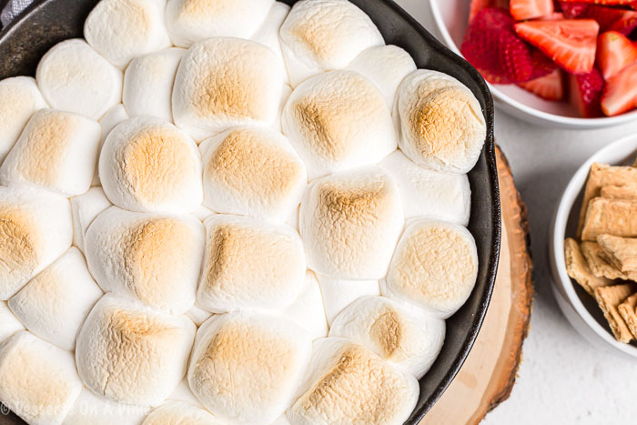 With only 2 ingredients needed, S'mores dip is the perfect treat to enjoy any day of the week. We love to make this dip for parties, snacks or just because.